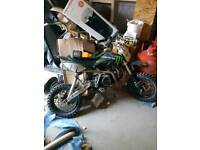 Pit bike 4 sale 140 cc needs rear slave cylinder and clutch lever probably cost u 50 bucks at most