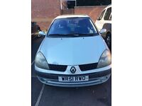 Renault Clio £400