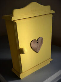 GREAT GIFT / Wooden Key Box with heart