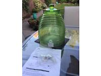 Green beehive shaped drinks dispenser - New