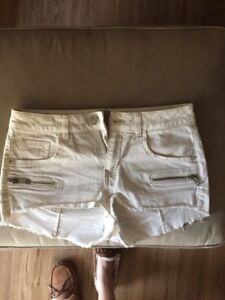 New Guess Shorts Size 26