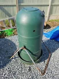 Rotary compost bin