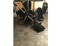 Oyster Max 2 with 2 seat units, car seat, raincovers etc.