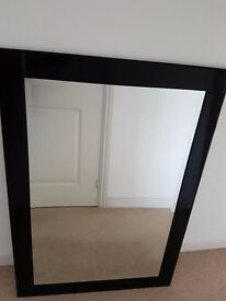 Mirror for sale. Modern and excellent quality.