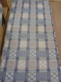 3ft SINGLE MATTRESS IN HARDLY USED CLEAN CONDITION.
