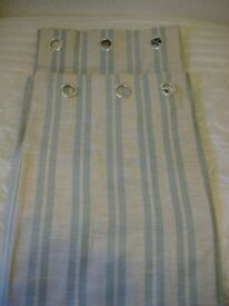 Curtains various sizes and colours. All in good very condition .