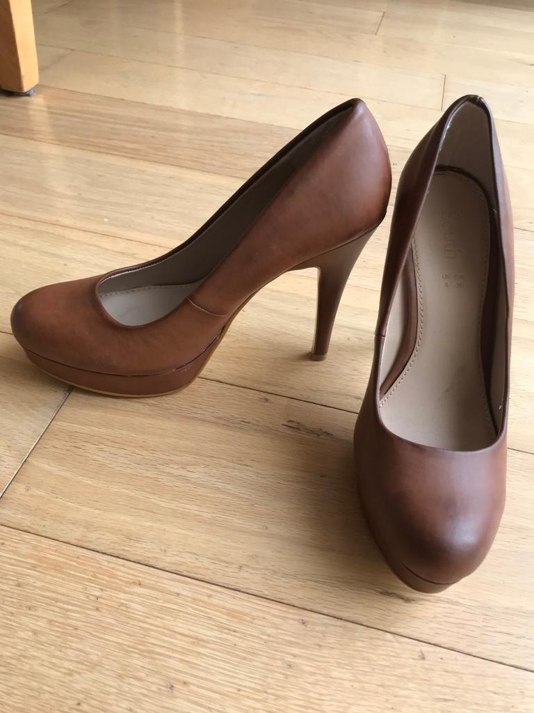 Brown ladies shoes size 5