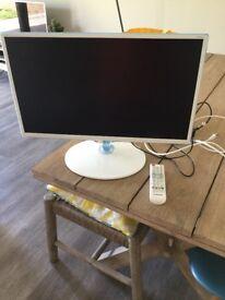 SAMSUNG 24 INCH HDTV MONITOR