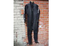 1x GUL Mens/Unisex M/L 5mm Skin Nylon Neoprene Wet Suit Surfing Sea Dancing Body Board Cave Diving