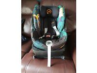 Cybex Cloud Q Car Seat e. Isofix base 0+ Excellent condition - Birds of Paradise