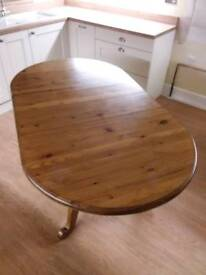 Solid Extendable Pine Table and 6 Chairs