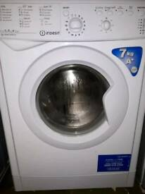INDESIT washing machine, nearly new,can deliver
