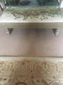 Voyage foot stool