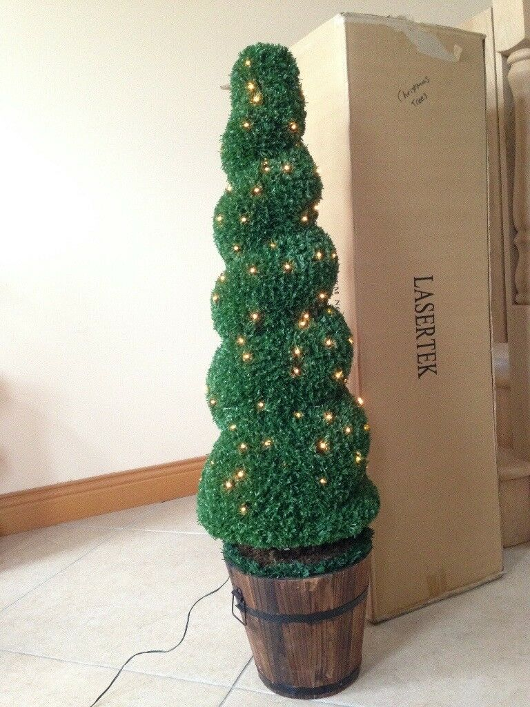 🌟SOLD - PENDING COLLECTION 🌟LOVELY PAIR OF PRE-LIT🎄 TOPIARY TREES/ CHRISTMAS TREES🎄