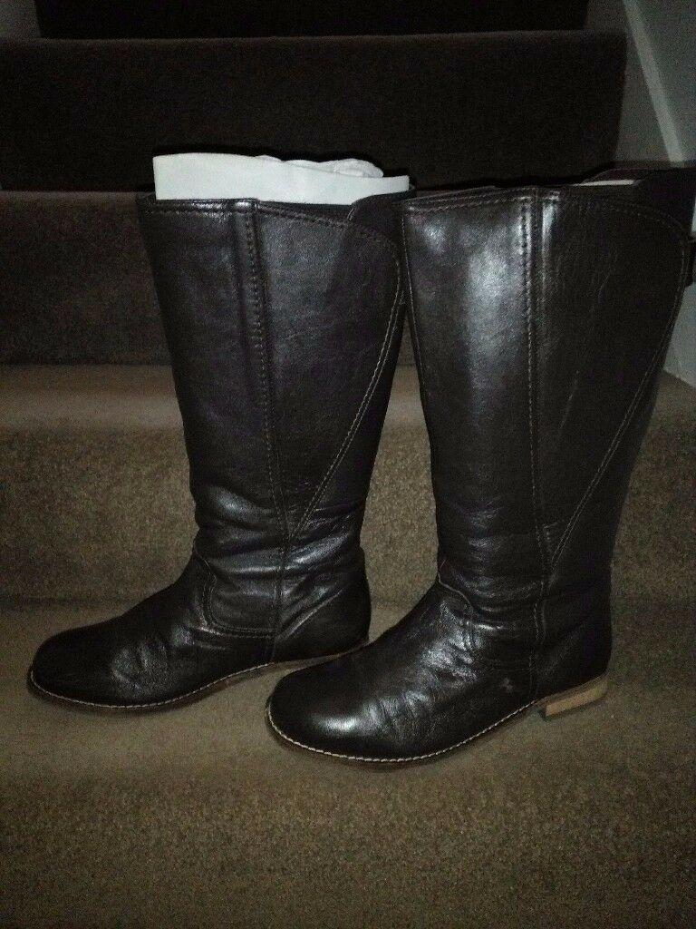 Wide fit ladies boots for sale. Size 7EEE. Brown leather. Only worn couple of times.