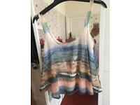 OFFERS Summer top flowy size 8