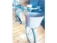 Quality Dawes Ladies Bike with free accessories