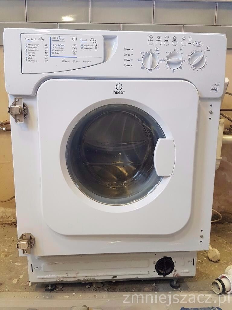 Washing machine Indesit IWME 12 built in