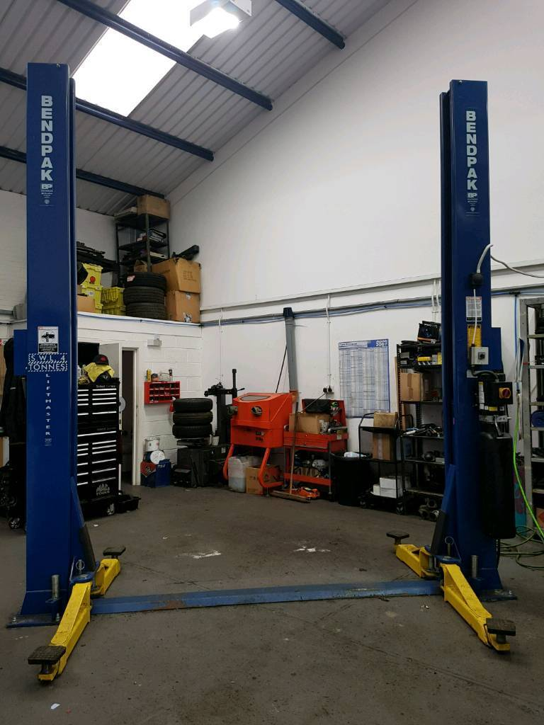 Bendpak Xpr 9 2 Post Vehicle Ramp And Bendpak Hd9 4 Post Lift In