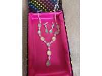 Beautiful Necklace and Earring Set in Ideal condition!!!