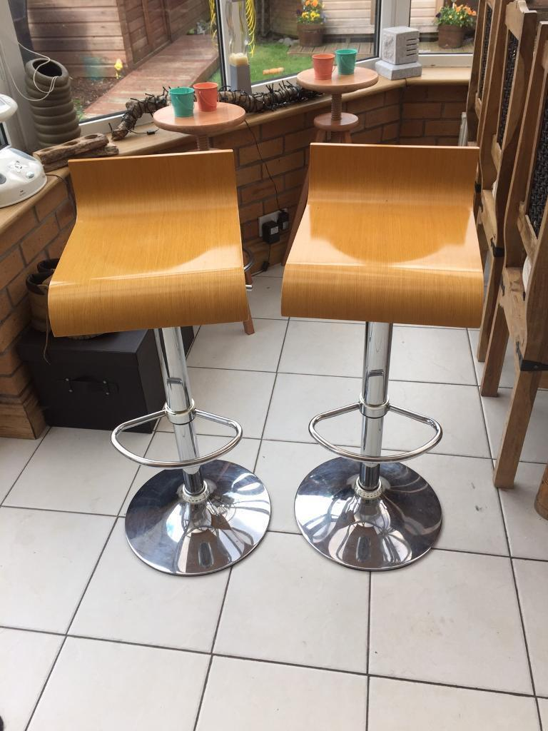 CURVED PLYWOOD BAR STOOLS