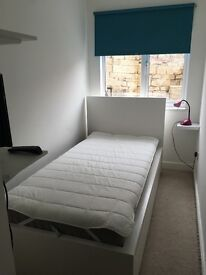 Clean and Tidy Single Room in Shared House - just off the London Road, BA1