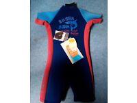 Wetsuit (new) suit age 3-4