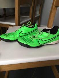 Nike Astro size 3