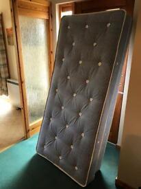 2 Divan Beds without headboard