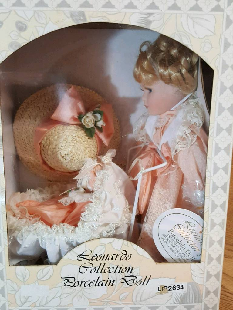 Leonardo Collection. Porceline Doll.