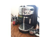 Delonghi Traditional Coffee and Espresso Machine with Milk Frother
