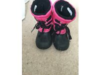 Size 9 fleece lined boots