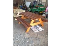 Picnic tables an planters