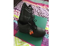 New Safety work boots - shoes by Work Tough size 46 / 11 UK