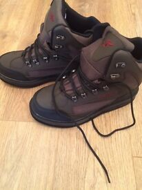 Cc3 wading boots size 9/10