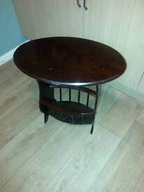 Side table/occasional table magazine rack