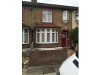 large 3 bedroom house Rainham Dagenham essex rm13 9pa