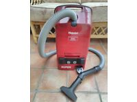 Lightweight Hotpoint vacuum cleaner. Excel;lent condition