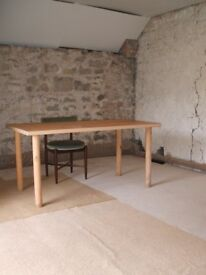 Space available for office / storage / workshop in Crickham