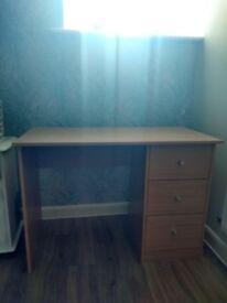 3 drawer desk - effect