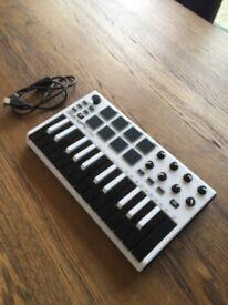 Alesis Q49 | MIDI Controller 49 Key Electronic Keyboard (Piano) | in