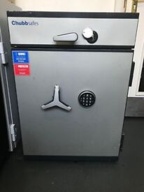 chubb safe large with digital code and wheel