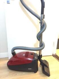Miele Classic C1 Junior PowerLine, 1400 watts, Red