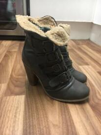 Fur lined boots - size 6 - worn a couple of times