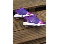 Heelys skate shoes size 2