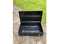 TRUNK 3 - VINTAGE METAL TRUNK / CHEST IDEAL FOR THE USE OF A RETRO COFFEE TABLE OR SIDE TABLE.