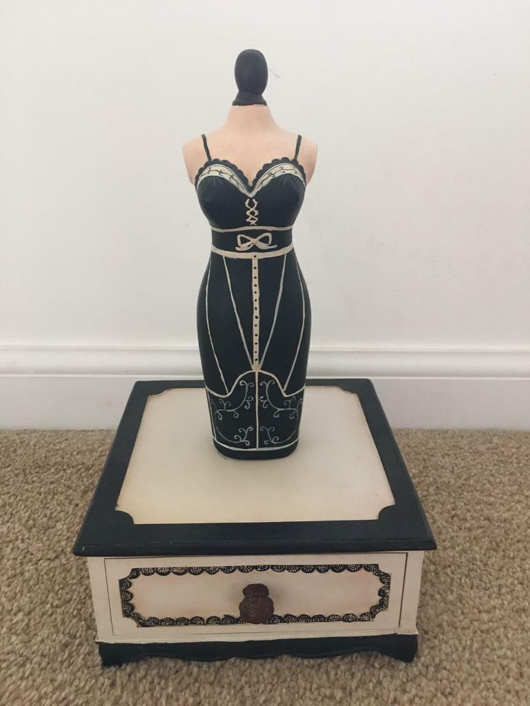 Wooden doll figure jewellery stand/box