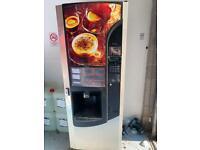 Hot drink vending machine