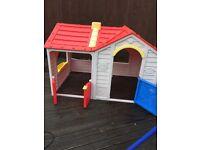 Kids plastic Wendy house