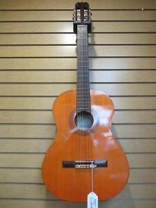 Guitare acoustique de marque Vibra
